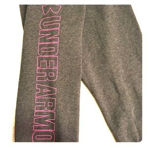New Under Armour Grey Cropped Sweats (pink logo) L